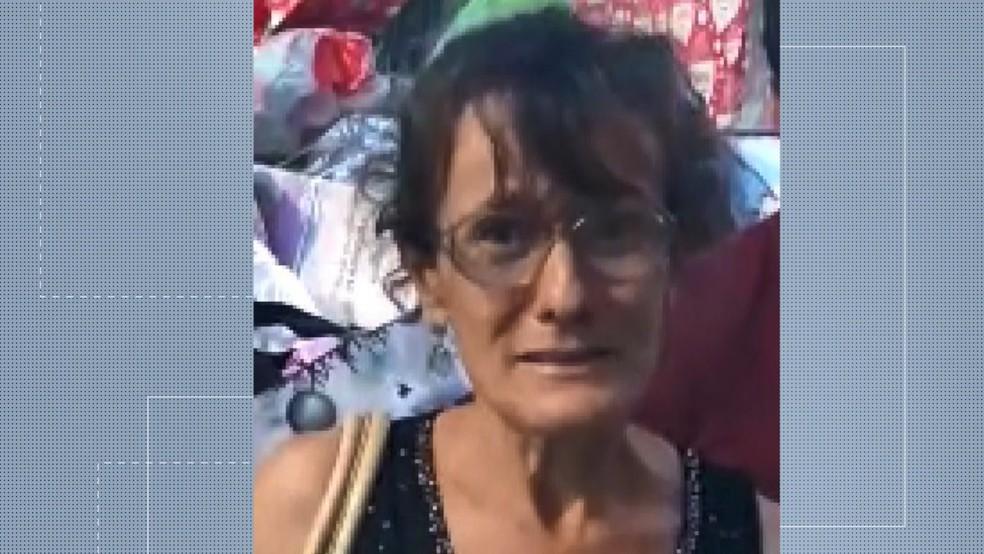 Luciana Lima de Almeida, de 63 anos, é acusada de aplicar o golpe dos presentes de natal — Foto: Reprodução/TV Gazeta