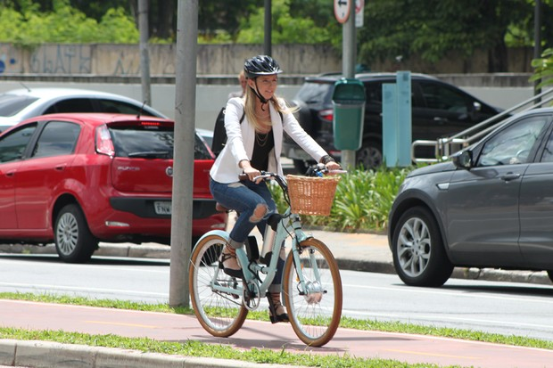 Bikes elétricas da E-Moving podem ser alugadas por mês ou ano (Foto: Divulgação)