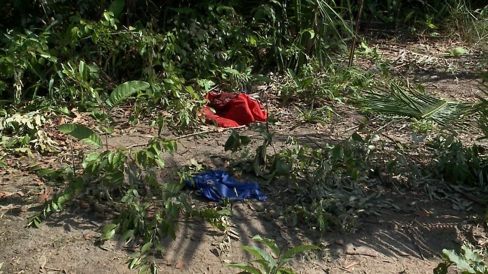 Corpos dos jovens foram encontrados em uma região de mato no bairro Coquilho, em São Luís, na manhã desta sexta (4) — Foto: Reprodução/TV Mirante