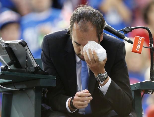 Copa Davis - Canadá x Grã-Bretanha - Denis Shapovalov acerta árbitro Arnaud Gabas tênis