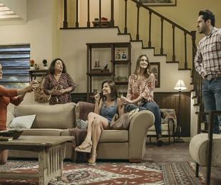 Cena quem Alexia (Deborah Secco) pede Zezinho (João Baldasserini) em casamento    TV Globo