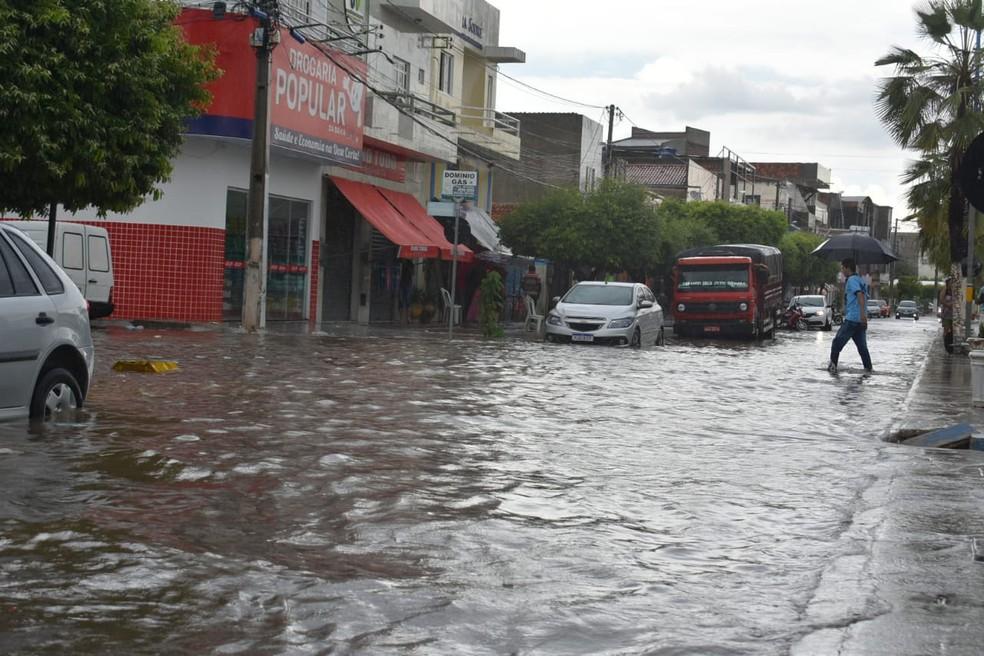 Chuva em Ibotirama deixou ruas alagadas — Foto: Gazeta 5