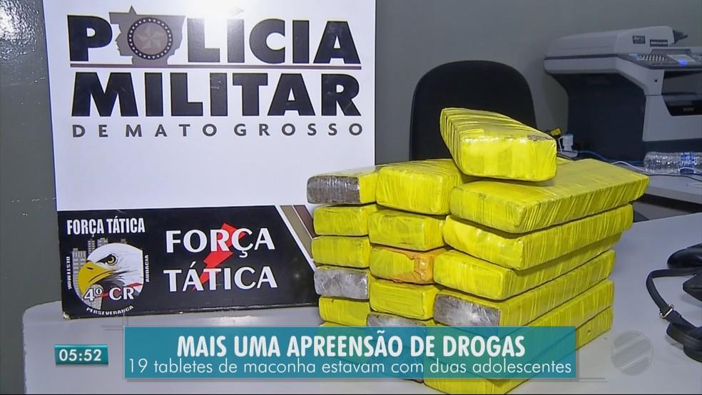 Segundo a Polícia Militar, a droga estava em uma mala carregada pelas duas jovens (Foto: TV Centro América)