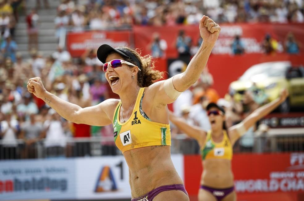 Larissa é sete vezes da temporada do campeão do Circuito Mundial; último título foi em 2017 — Foto: Divulgação/FIVB