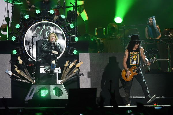 Axl Rose e Slash em um show do Guns 'N Rose em 2016 (Foto: Getty Images)
