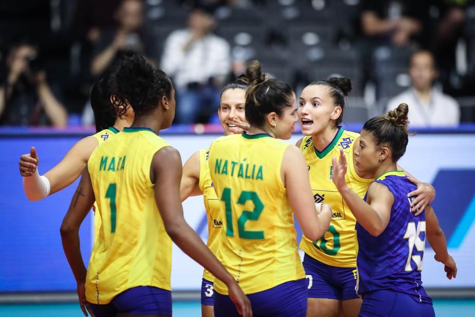 Com Gabi letal, Brasil bate Sérvia por 3 a 0 e fecha semana 4 em grande estilo na Liga das Nações