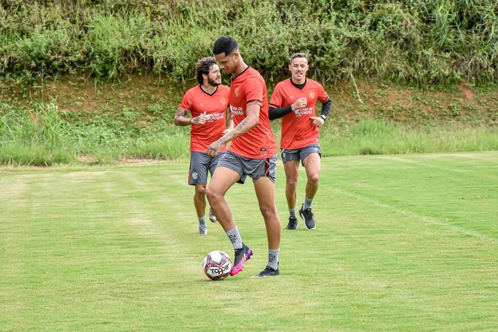 Samuel Granada em treino do Vitória — Foto: Pietro Carpi/EC Vitória