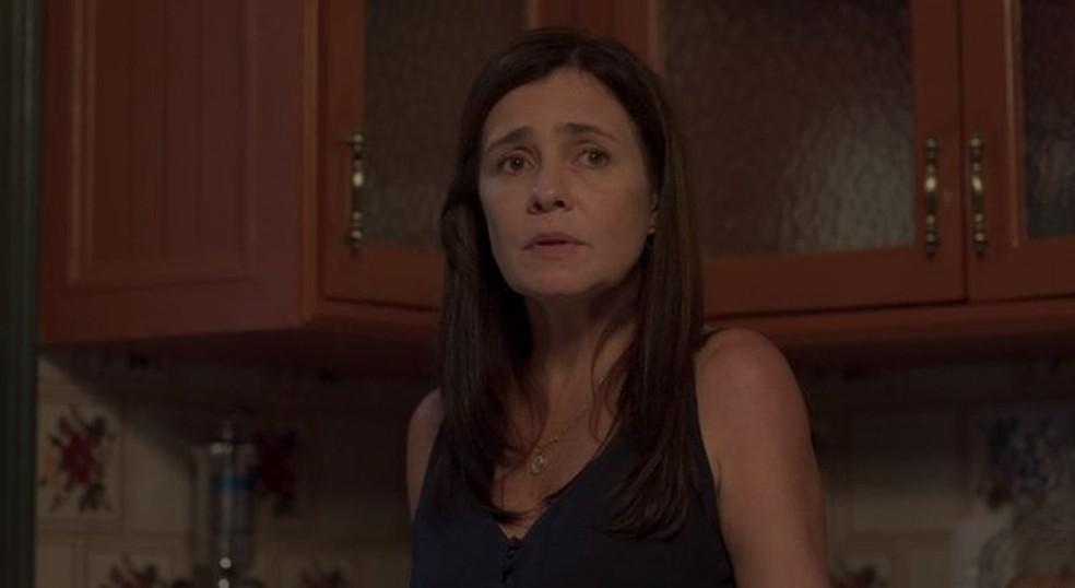 Thelma diz que Camila e Danilo precisam morar sozinhos — Foto: Globo