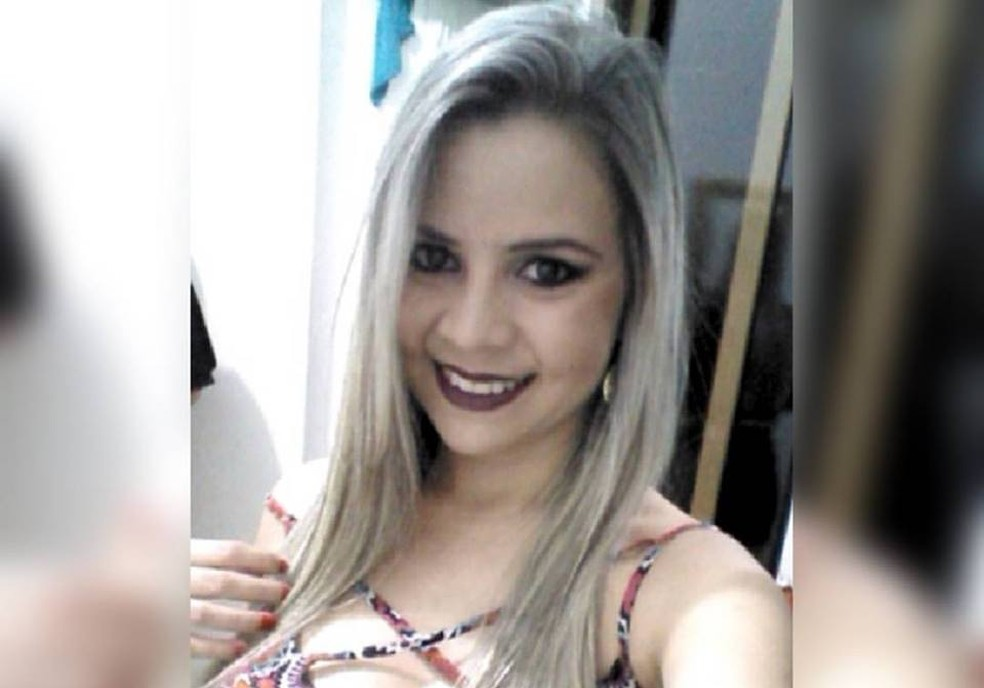 Géssica De Sá Soto contou que foi agredida durante uma festa, em Nova Venécia, ES (Foto: Reprodução/ Facebook)
