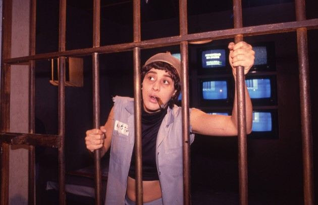 """Em """"TV pirata"""", de 1987, Claudia Raia interpretou vários papéis, inclusive o divertido presidiário Tonhão  (Foto: Arquivo O Globo)"""