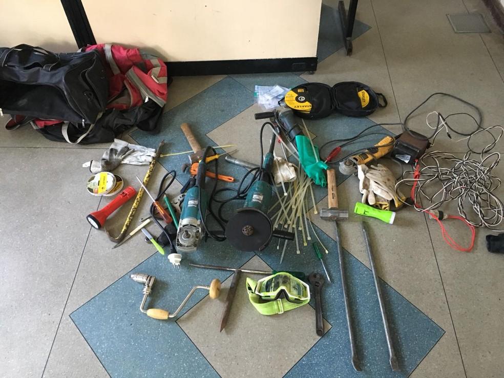 Material apreendido pela polícia durante ação na noite de sexta-feira — Foto: Divulgação/SSP-BA
