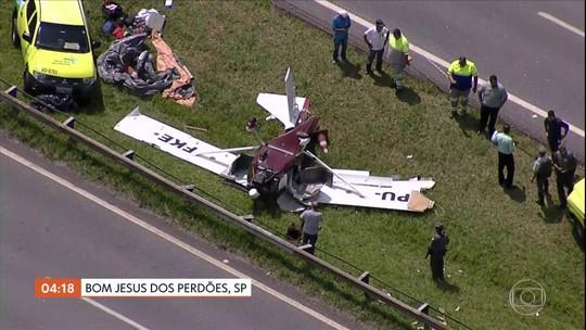 Avião faz pouso de emergência em rodovia de SP