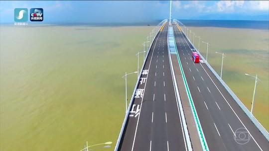 Os números que revelam a grandiosidade da maior ponte marítima do mundo, inaugurada na China