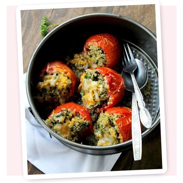 Tomate assado recheado com quinoa (Foto: Reprodução)