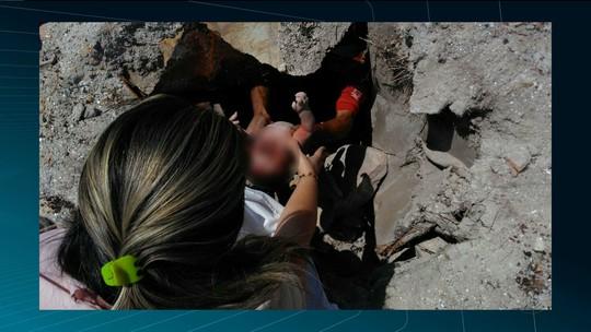 Bebê é achado dentro de esgoto em Junco do Seridó, PB, e mãe confessa abandono