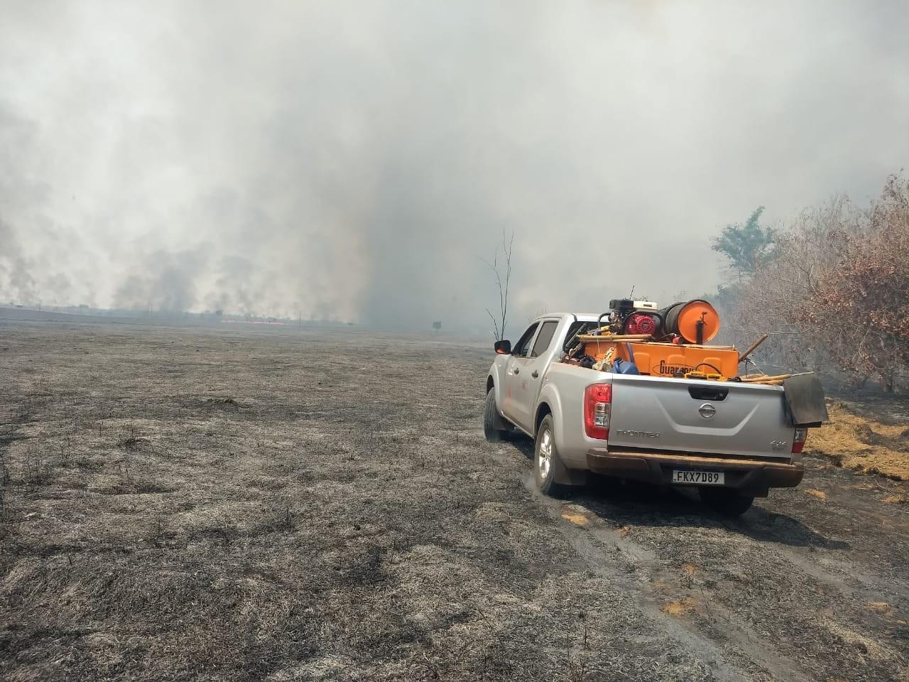 Incêndio atinge área do Parque Estadual do Rio do Peixe, em Ouro Verde
