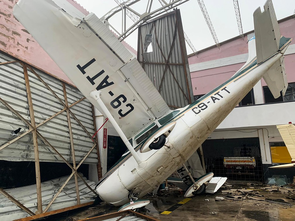 Danos no aeroporto de Beira, em Moçambique, após a passagem do ciclone Idai — Foto: Déborah Nguyen/WFP/AFP
