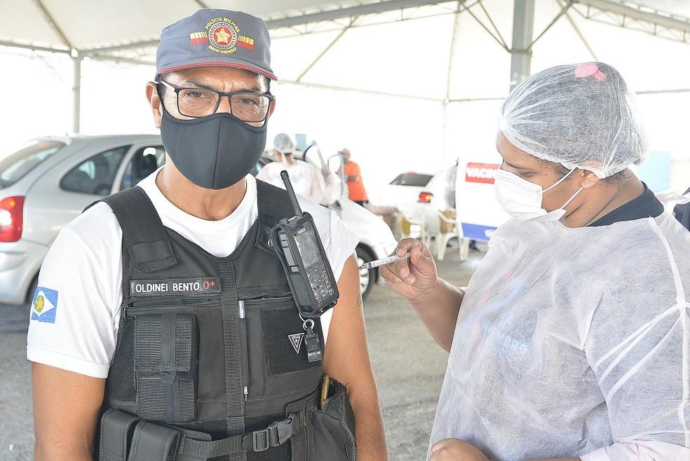 Profissionais das Forças de Segurança recebem vacina contra a Covid-19 em Várzea Grande — Foto: Prefeitura de Várzea Grande