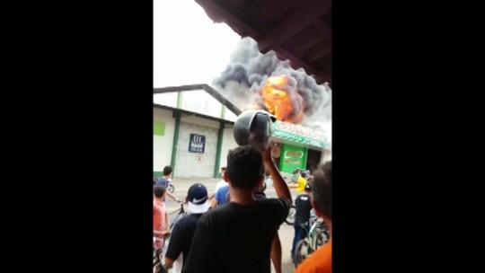 Incêndio destrói loja no centro comercial de Castanhal, no Pará