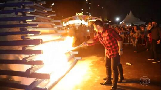 Polícia e Crea fazem perícia em restos da fogueira que explodiu e feriu prefeito e primeira-dama de Osasco