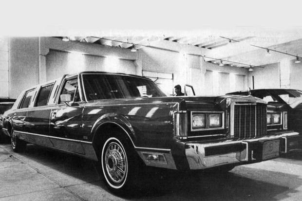 Uma limusine Lincoln Continental era um delírio para o mercado nacional (Foto: Arquivo/O Globo)
