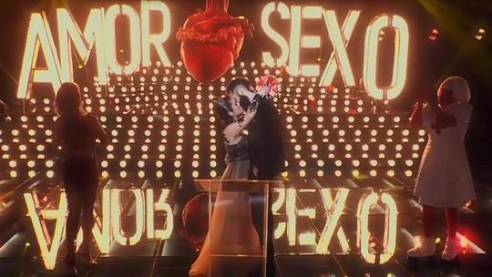 Fernanda Lima promove quarto casamento no palco do 'Amor & Sexo'