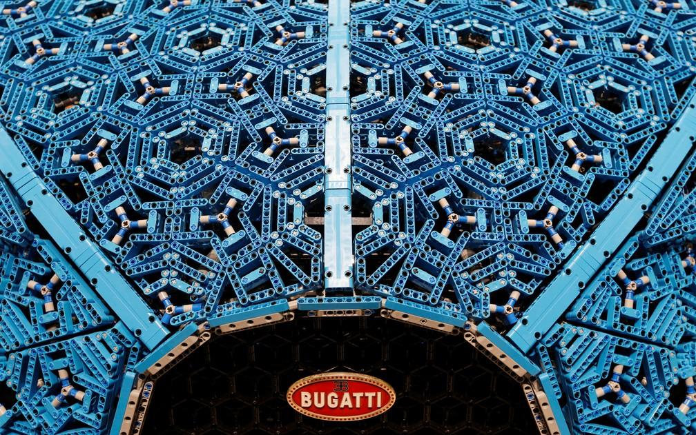 Bugatti Chiron feito de Lego não tem nenhuma peça colada — Foto: Benoit Tessier/Reuters