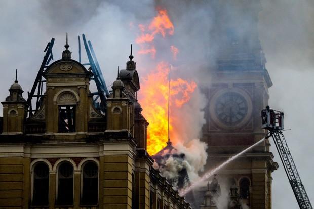 Museu Nacional: relembre outros incêndios em instituições culturais no país (Foto: Pedro Kirilos/Agência O Globo)