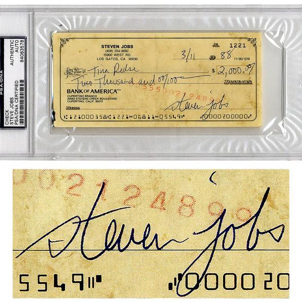 Cheque assinado por Steve Jobs será leiloado pela Nate D. Sanders. Cofundador da Apple não gostava de dar autógrafos (Foto: Divulgação/Nate D. Sanders)