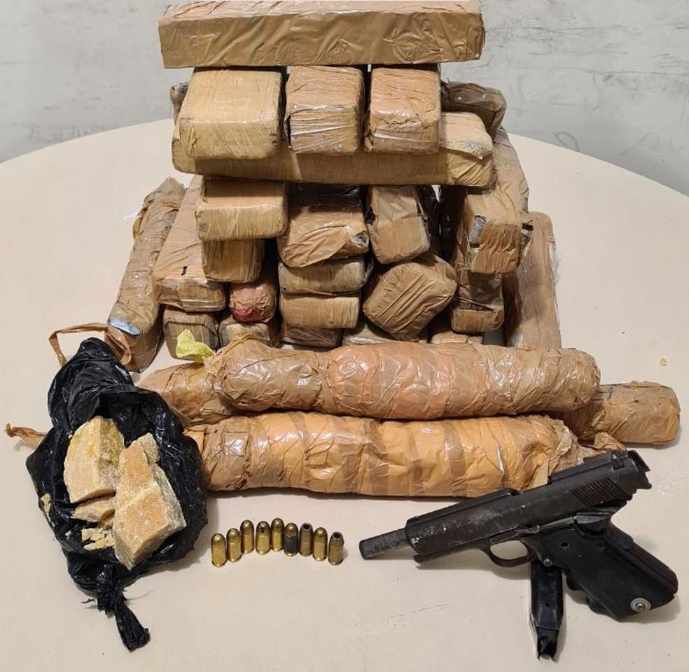Drogas apreendidas durante ação no bairro da Mata Escura, em Salvador — Foto: Divulgação/SSP-BA
