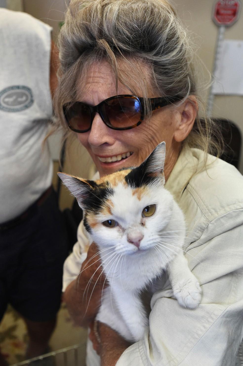 Ana Fontana e Trotsy (Foto: Devon Ravine/Northwest Florida Daily News via AP)