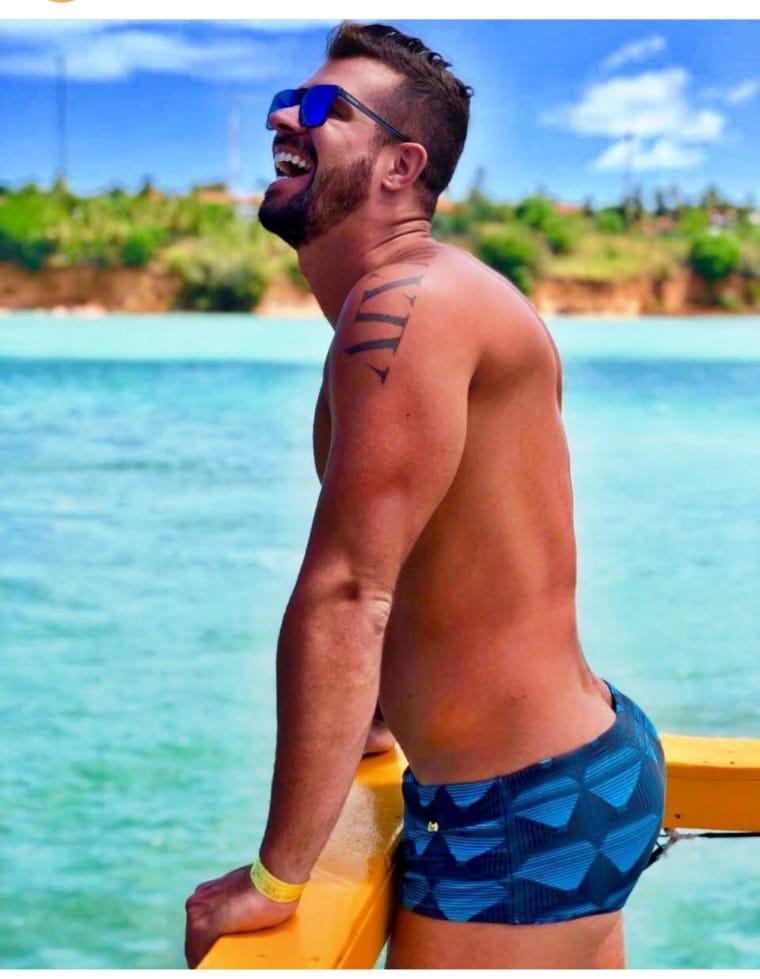 Borat de 'Amor & Sexo' é baleado em praia do Rio e passa por cirurgia