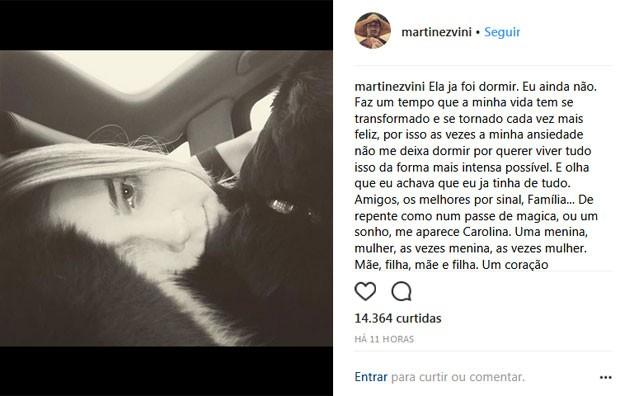 Vinicius Martinez se declara para Carol Dantas (Foto: Reprodução)