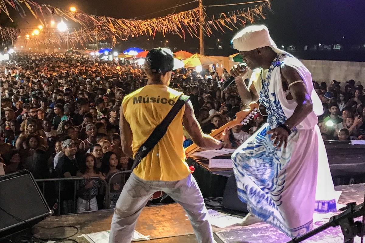 Praia do Farol, em Campos, RJ, recebe shows gratuitos nesta sexta e sábado
