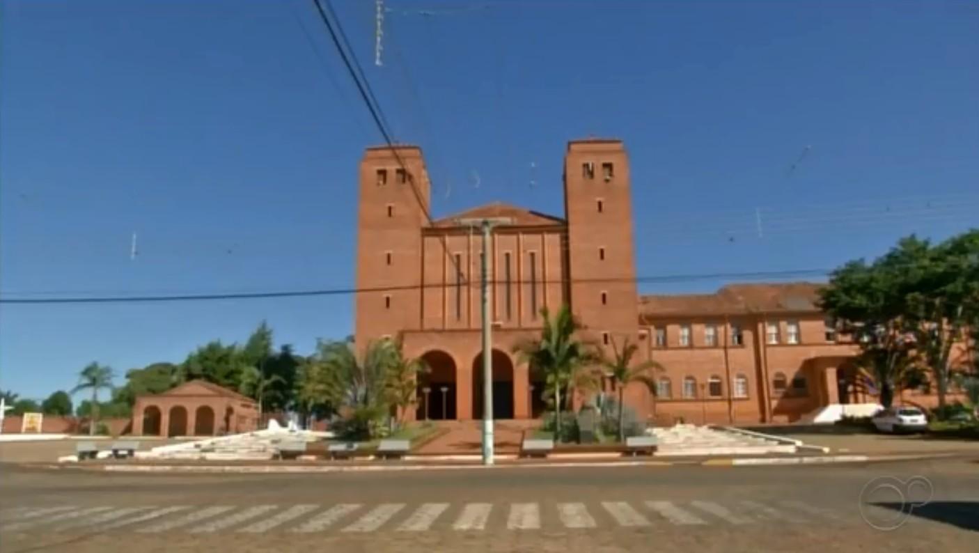 Turismo de Itaporanga sente reflexos da pandemia com fechamento de igrejas e comércios