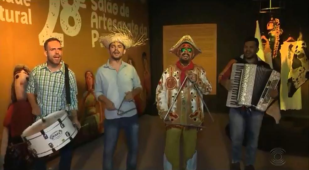 Trio de Forró anima abertura da 28ª edição do Salão do Artesanato da Paraíba, nesta terça (12) em Campina Grande (Foto: Reprodução/TV Paraíba)