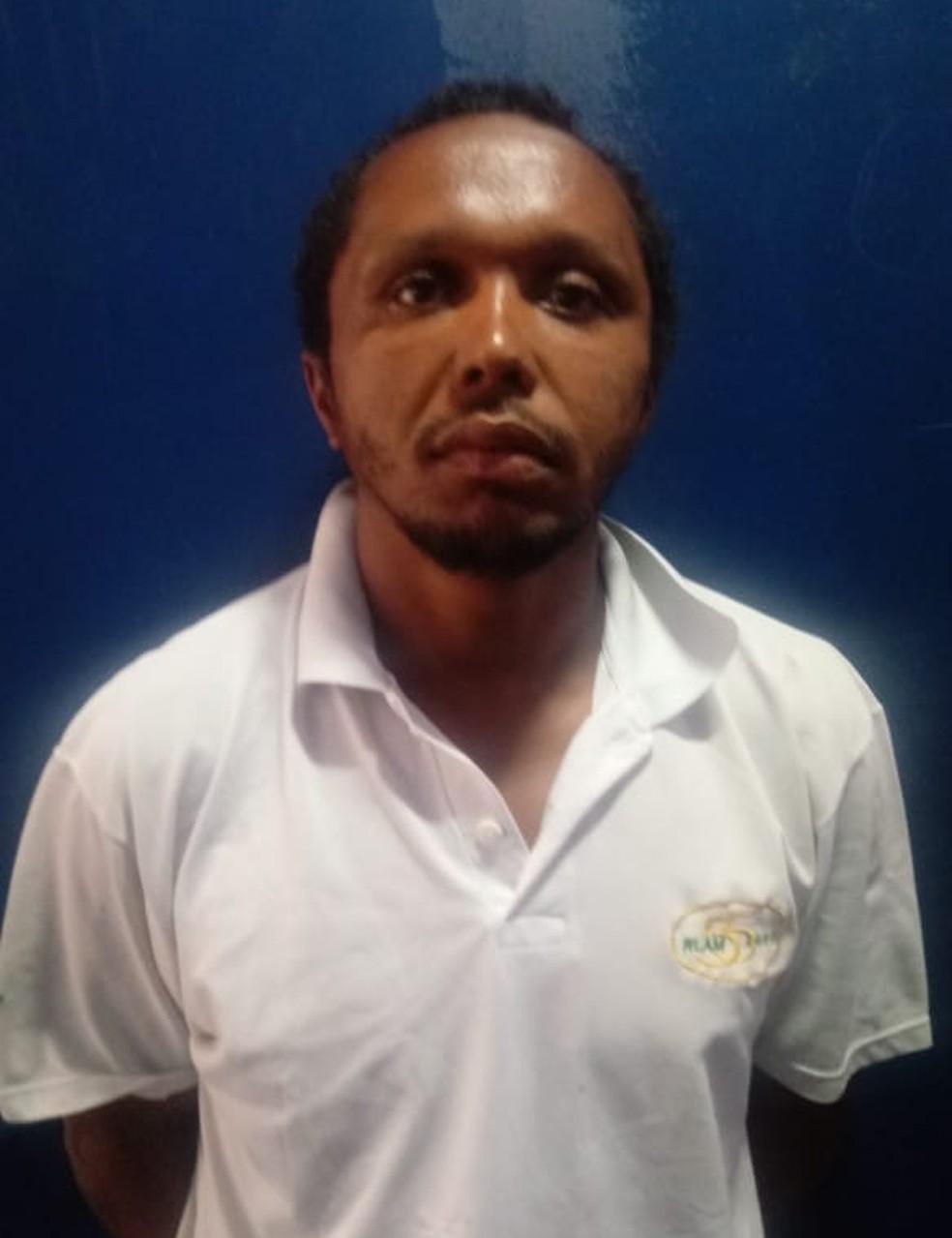 Claudemir Alves da Silva foi preso em flagrante — Foto: Polícia Civil