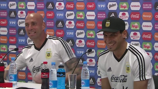 Messi apenas observa treino de finalização da Argentina