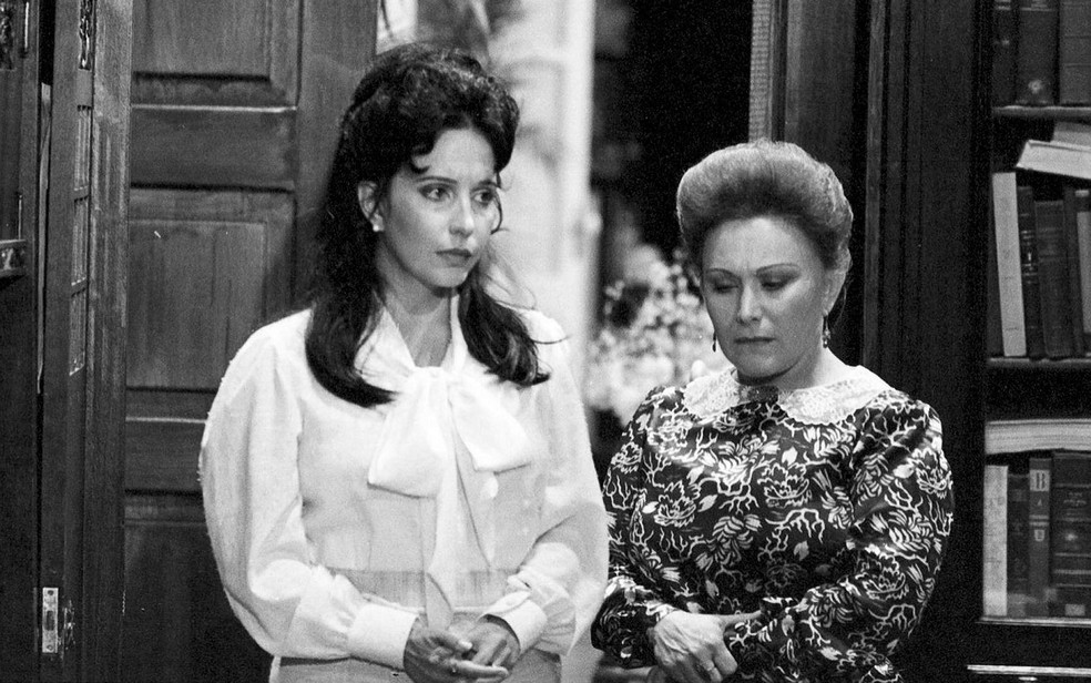 Maria Isabel de Lizandra e Nicette Bruno na novela Tenda dos Milagres — Foto: Acervo TV Globo