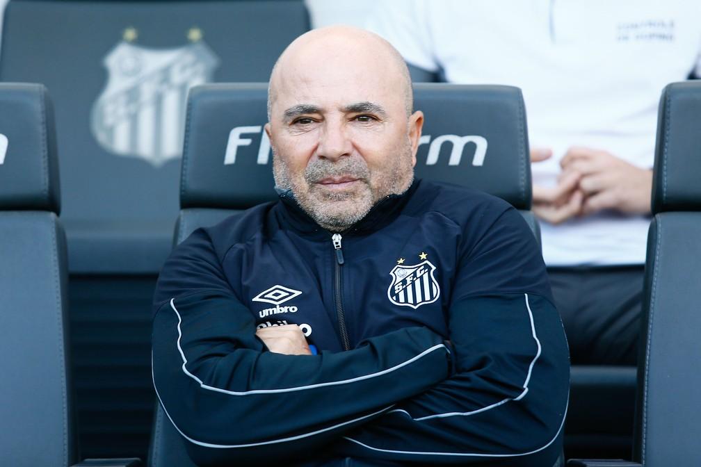 Jorge Sampaoli, técnico do Santos, na Vila Belmiro — Foto: LUIS MOURA/WPP/ESTADÃO CONTEÚDO