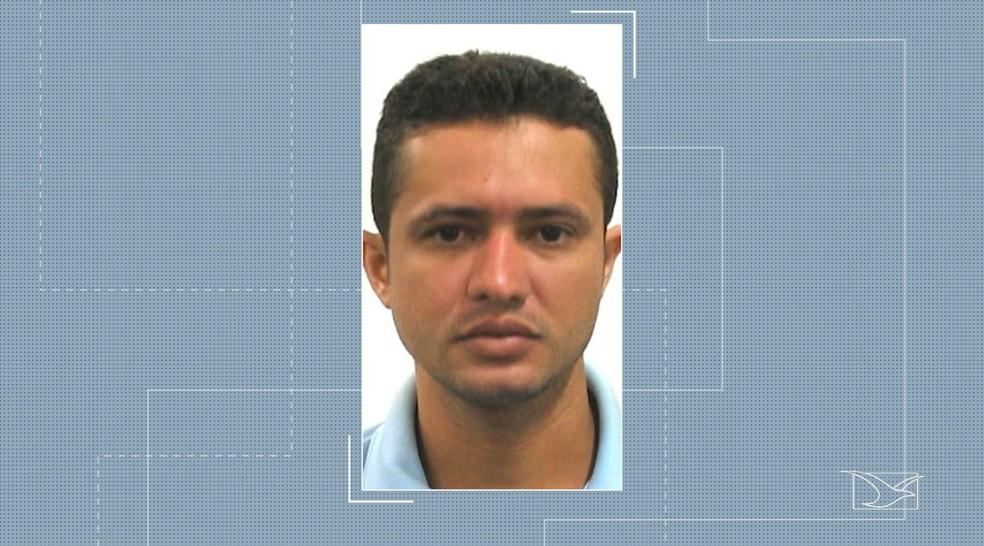 Zandonai Barbosa Oliveira está foragido e é suspeito de ter participado do assassinato do PM Joselito Marinho, em Imperatriz — Foto: Reprodução/TV Mirante