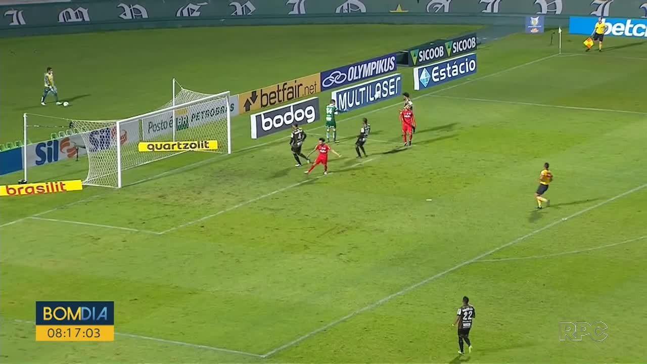 Athletico perde para o Fluminense