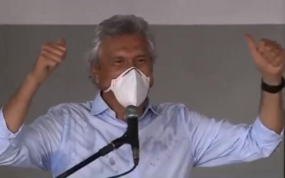 Ronaldo Caiado anuncia vacina para professores em Goiás — Foto: Reprodução/TV Anhanguera