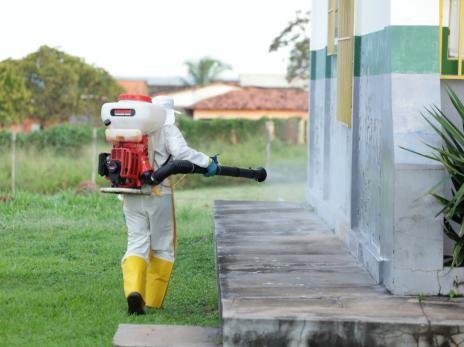 Equipes fazem limpeza e desinfecção em 20 unidades básicas de saúde em Araguaína