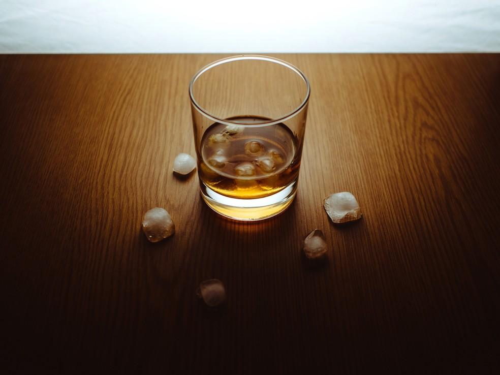 Bebidas conhecidas, como cerveja, conhaque e whisky já estão sofrendo com as mudanças climáticas — Foto: Pixabay