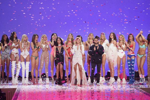 Angels comemoram o Victoria´s Secret Fashion Show