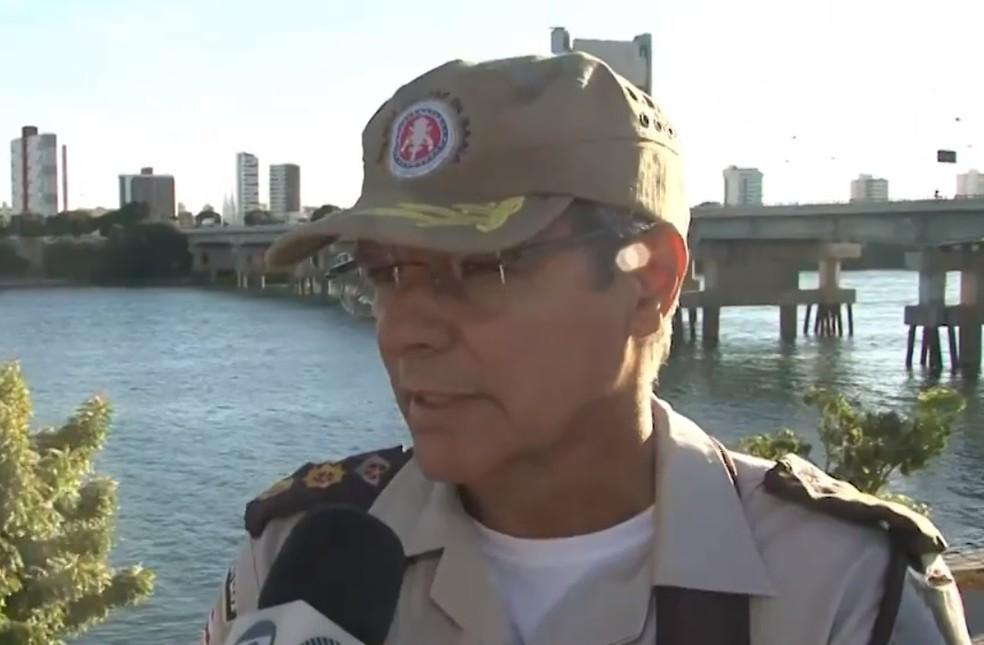 Segundo Ten. Cel. José Carlos Soares, comandante do 6º Batalhão, aluno que disparou será atuado em flagrante. — Foto: Reprodução / TV Bahia