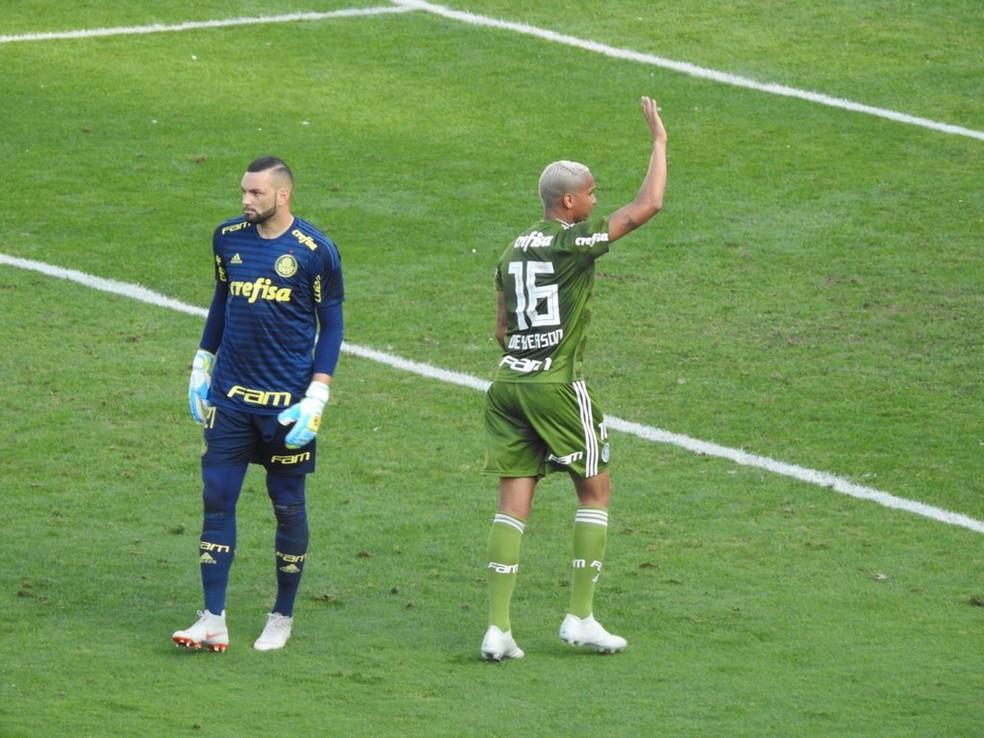 Deyverson expulso: única preocupação do Palmeiras em meio à boa sequência — Foto: Felipe Zito