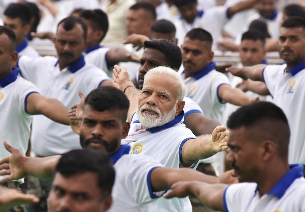 2019 06 21t055751z 1960065889 rc1b7804d240 rtrmadp 3 yoga day india - Dia Internacional do Yoga é celebrado pelo mundo; veja fotos