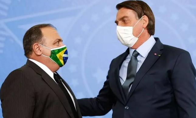 O ex-ministro Eduardo Pazuello e o presidente Jair Bolsonaro